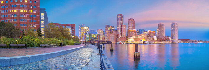 Fotomurales - Boston Harbor and Financial District at twilight, Massachusetts