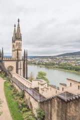 Schloss Stolzenfels im mittleren Rheintal über Koblenz