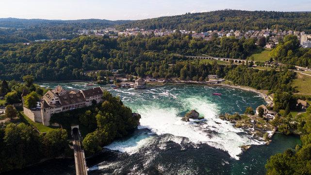 Blick auf den Rheinfall in Schaffhausen