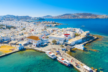 Türaufkleber Santorini Panoramic view of Mykonos town, Cyclades islands, Greece