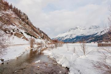 Sils, Silvaplanersee, Inn, Fluss, Seenplatte, Corvatsch, Oberengadin, Winter, Wintersport, Alpen, Graubünden, Schweiz