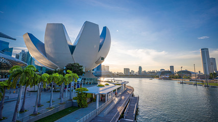 Photo sur Toile Singapoure The ArtScience Museum Waterfront Promenade ; Fantastic Travel In Singapore