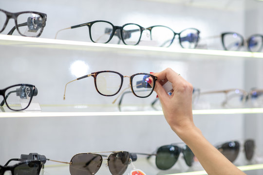 Close up of the show-window in optical store with glasses