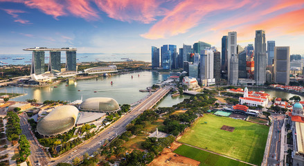 Photo sur Toile Singapoure Aerial view of Cloudy sky at Marina Bay Singapore city skyline