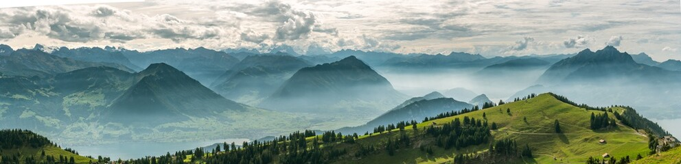 Photo sur Aluminium Campagne Beautiful panoramic view on Swiss Alps around Lake Lucerne as seen from top of Rigi Kulm peak