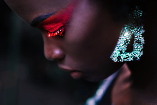 Outdoors portrait of fashion African female model with make up and accessories