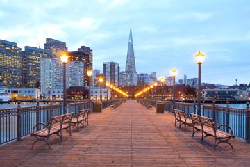 Buildings at downtown from Embarcadero at dusk, San Francisco, California, USA Fototapete