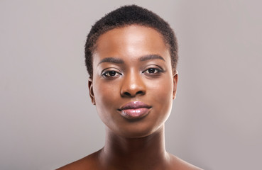 Fototapete - Portrait of black girl with perfect skin and natural makeup