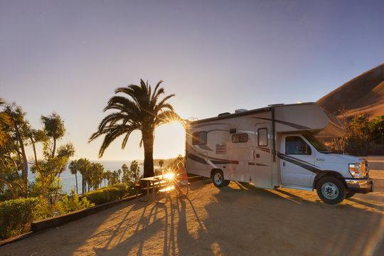 Campen mit dem Wohnmobil am Malibu Beach RV Park, Malibu, CA, USA