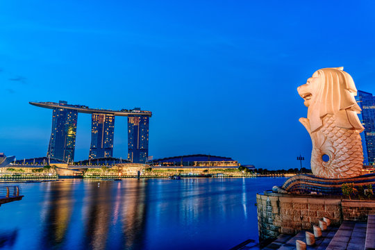 SINGAPORE - July 29 2018 : Cityscape with Merlion in the morning in Singapore
