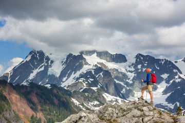 Fototapete - Hike in mountains