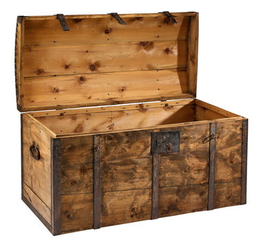 Trunk Treasure chest open with clipping path.