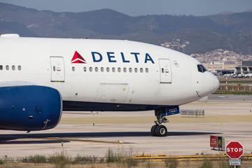 Delta Airlines Boeing 777-200ER Nose