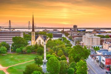 Fotomurales - Charleston, South Carolina, USA skyline over Marion Square.