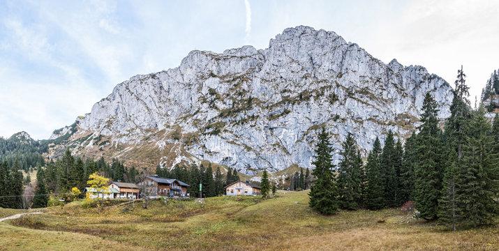 Tutzinger Hütte an der Benediktenwand