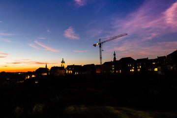 Thuin by night