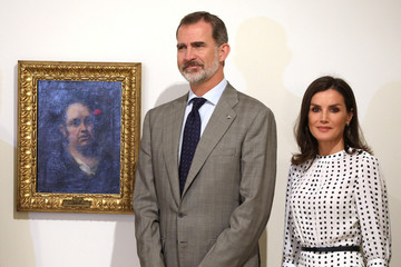 Spain's King Felipe and Queen Letizia pose for photos beside a self-portrait of Spanish painter Francisco de Goya at Bellas Artes Museum in Havana