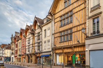Fototapete - Street in Troyes, France