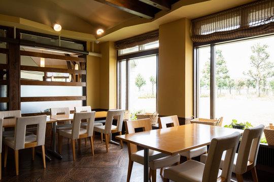 レストランの内装