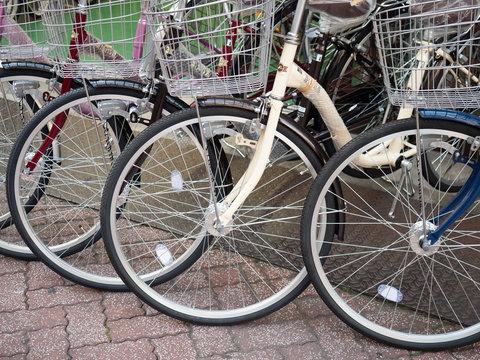 店頭に並んだ自転車