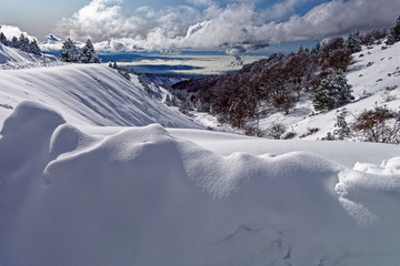 Photo sur Aluminium Gris Paysage montagne hiver
