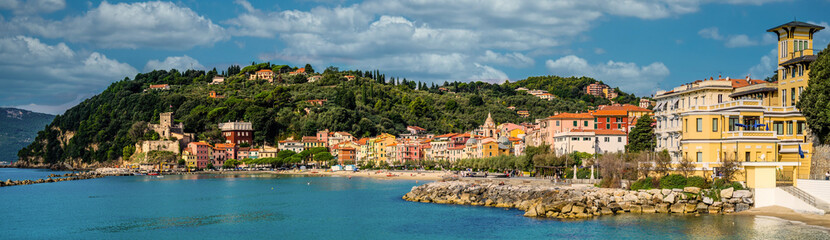 San Terenzo is a traditional Ligurian sea village whose essence hasn't change over the years. Originally a fishing town from the 19th century on it has become a shelter for artists and intellectuals.