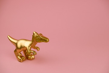 Estores personalizados com sua foto golden dinosaur statuette on pastel pink background with copy space trendy minimal art card