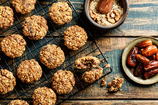 Healthy dessert. Homemade oatmeal cookies with dates and nuts, do not contain sugar, butter and eggs.