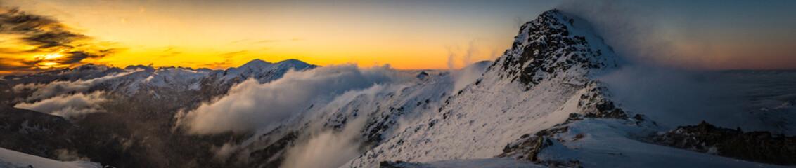 Fototapeta Tatry Zachodnie - halny wiatr, zachód słońca obraz