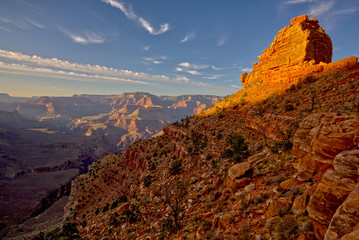 Fotobehang Rood paars Westside view of O'Neill Butte along the South Kaibab Trail on the south rim of the Grand Canyon near sundown.
