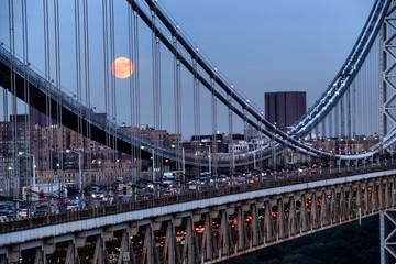 Stores à enrouleur New York George Washington Bridge in New York, USA