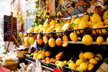 Different variety of lemons for sale. Traditional delicious Italian lemons in Taormina, Sicily, Italy on farmer market. Fototapete