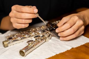 Oiling Flute Parts, Flute Maintenance