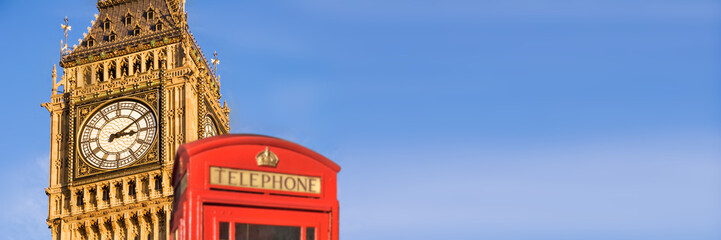 Poster Londres Red telephone box and Big Ben, panoramic background of London, UK