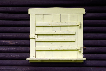 Holzfensterladen