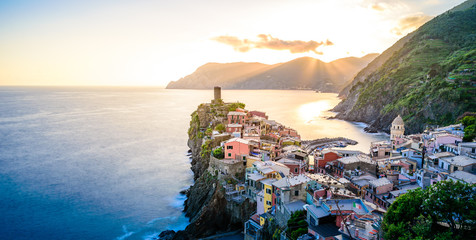 Wall Mural - Vernazza - Village of Cinque Terre National Park at Coast of Italy. Beautiful colors at sunset. Province of La Spezia, Liguria, in the north of Italy - Travel destination and attraction in Europe.