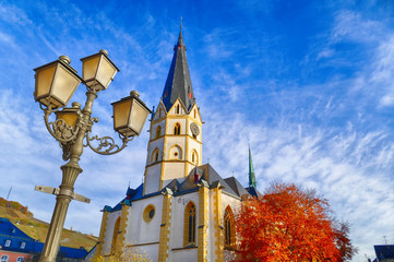 Alte Laterne und Kirche in Ahrweiler