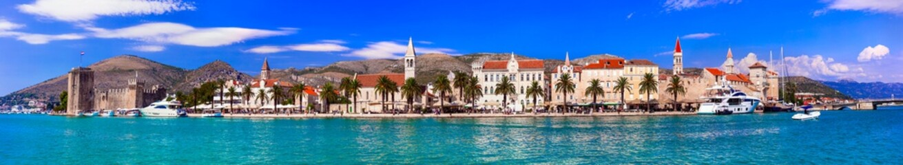 Photo sur Aluminium Bleu jean Panoramic view of Trogir town in Croatia, popular tourist destination and historic place in Dalmatia