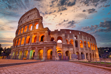 Colosseum at sunset, Rome. Rome best known architecture and landmark. Rome Colosseum is one of the main attractions of Rome and Italy Fototapete