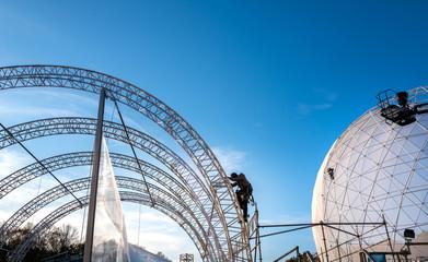 Bühnenkonstruktion bei einem Event am Brandenburger Tor