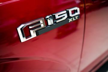 Ford F150 pickup truck logo