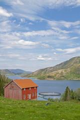 Fischzuchtanlage im Eiterfjorden