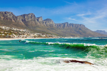 Cadres-photo bureau Cote Camps Bay Beach and Table Mountain in Cape Town South Africa