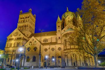 Historische Kirche im Zentrum von Neuss