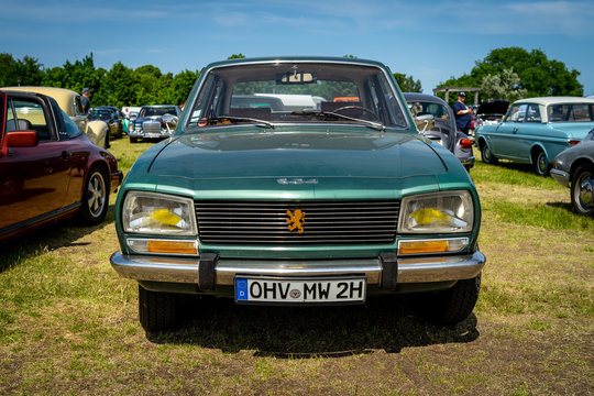 PAAREN IM GLIEN, GERMANY - MAY 19, 2018: Large family car Peugeot 504.