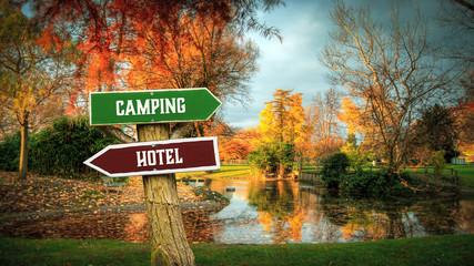 Foto auf AluDibond Camping Street Sign to Camping versus Hotel
