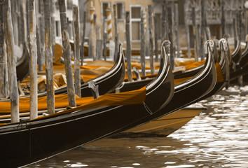 Fototapeten Gondeln gondolas in Venice
