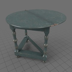 Traditional folding table