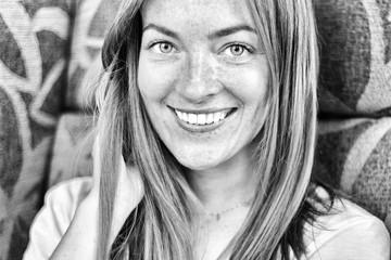 Obraz Portrait of a young woman. - fototapety do salonu