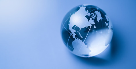 Foto op Plexiglas Noord Europa World glass globe in blue background